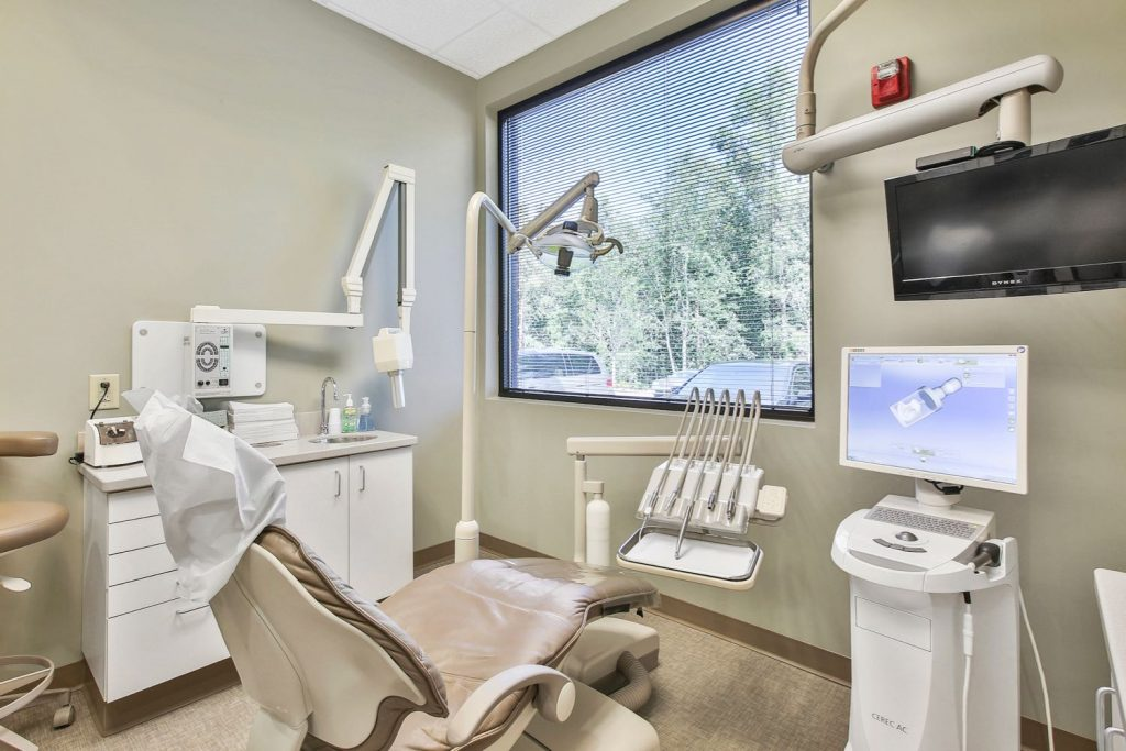 Interior view of dental exam room in Dave Lee Dentistry office in Fayetteville, GA.
