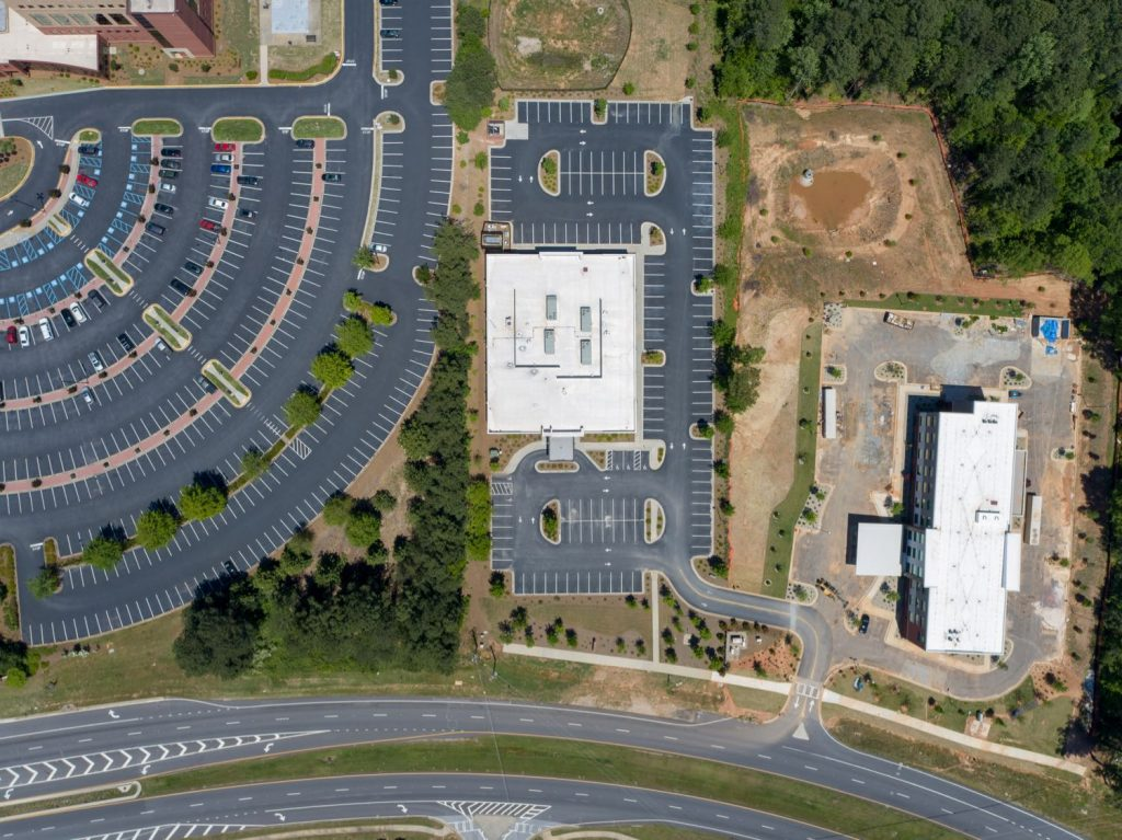 Aerial overhead view of 1233 Highway 54 medical office building in Fayetteville, GA.