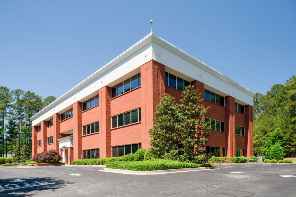 Exterior side view of 500 Westpark building in Peachtree City, GA.