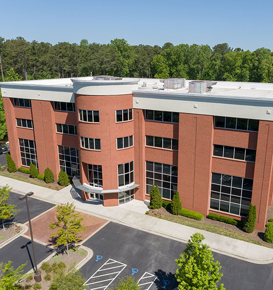 Exterior side view of 525 Westpark building in Peachtree City, GA.