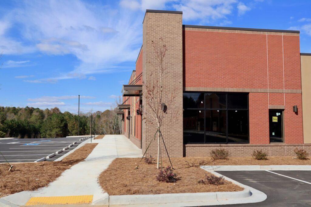 Exterior of 2081 Newnan Crossing Blvd medical office building in Newnan, GA.