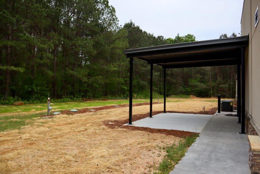 Covered portico entry to New Beginnings South Metro Community Center.